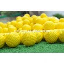 Ventas por mayor 2 pedazo colorido mini bola dos capa conducción gama práctica multi color golf bolas de golf