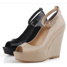 Fashion Wedge Platform Frauen Knöchelriemen Peep-Toe Sandale (Hcy02-628)