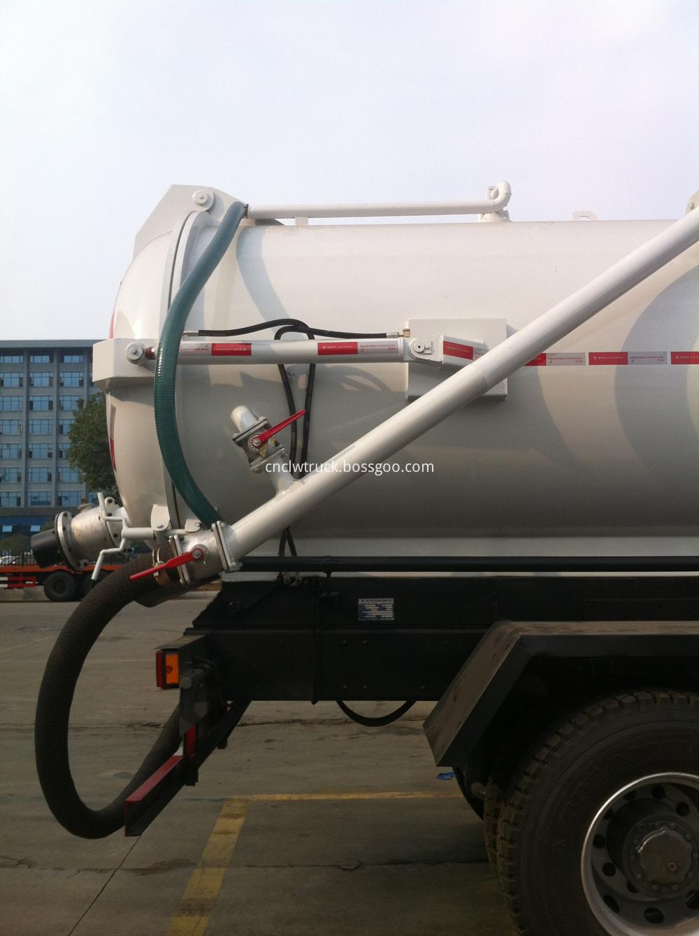 industrial vacuum trucks DETAILS 1