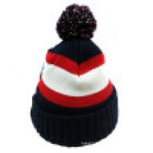 Bonnet tricoté avec POM POM sur le Top NTD31