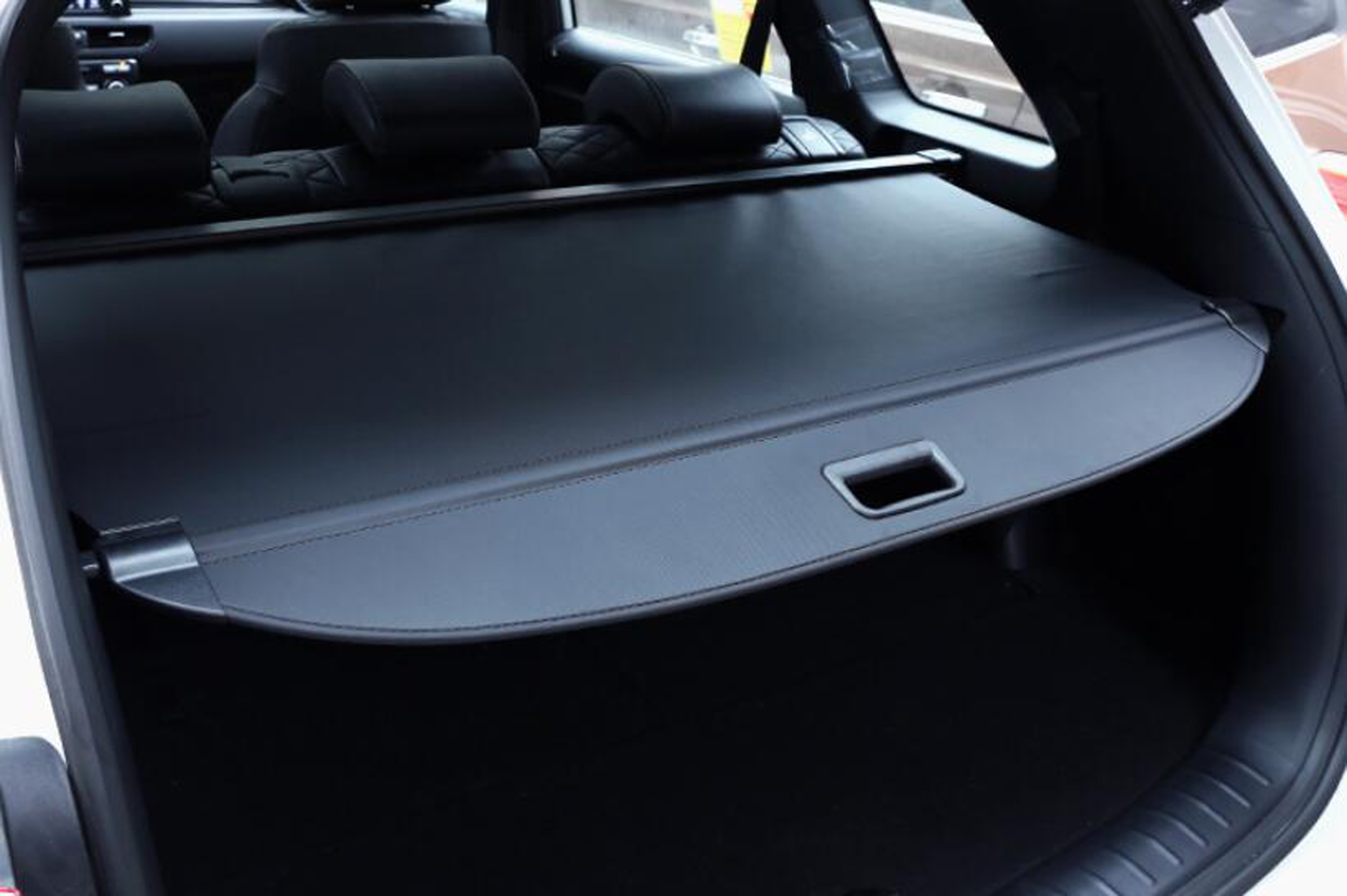 SUV Rear Compartment Curtain