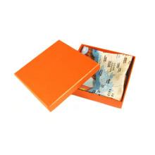 Подарочная коробка для упаковки шарфа хорошего качества
