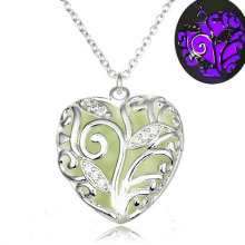 Wholesale Hollow Out Heart pendant Necklace Single Crystal Fashion Necklace