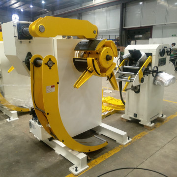 Cradle Type Decoiler Cum Straightener