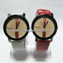 Montres-bracelets de bonne qualité pour amoureux Bracelet montre cadeau en cuir