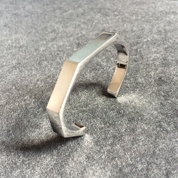 miansai open curve bangle