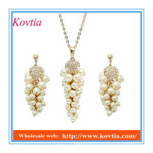 Дешевый комплект ювелирных изделий установленный dubai gold plated имитационная перла вышитый бисером серьга ожерелья падения установленная