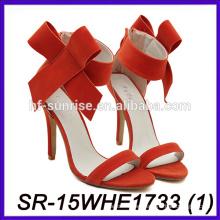 El alto talón al por mayor calza los zapatos atractivos del alto talón de los zapatos del alto talón del alto los 7cm