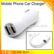Hochwertige Handy-USB-Ladegerät mit Dual-USB-Port im Auto verwendet