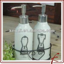 Dispensador de jabón de baño de cerámica con soporte de hierro