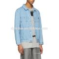 Dos bolsillos en el pecho azul chaqueta de jean de mezclilla de primavera chaqueta lavada para hombre