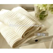 2015 90*130cm knitted cashmere plain white blanket