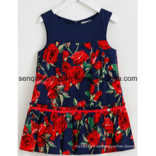 Vestido de la muchacha de moda vestido en la ropa de los niños con la ropa del vestido