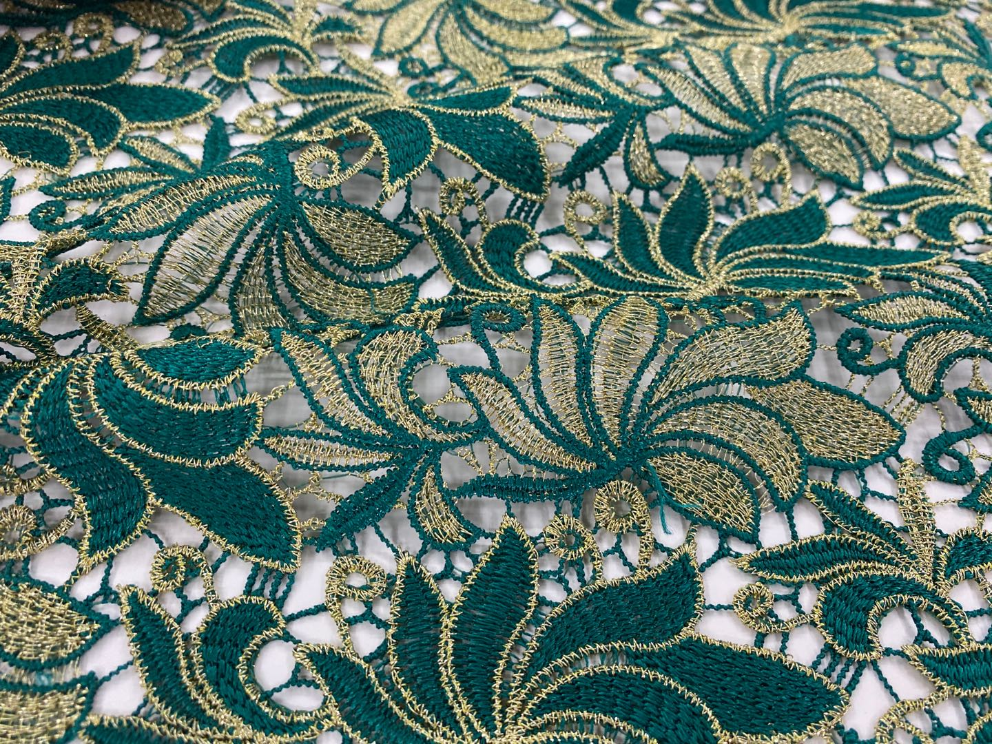 Guipure Embroidery Fabric With Scallop