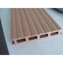 Profil composite en bois-plastique faisant la machine