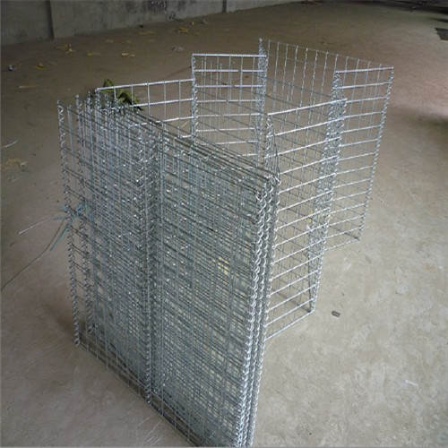 Flood control hesco fence