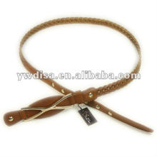 Cinturón de cuero estrecho trenzado de la mujer