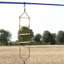 Деревянная веревочная лестница с одной головкой для лазания на открытой площадке