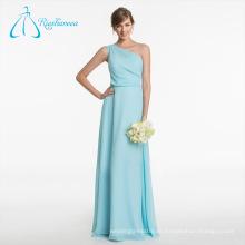 La dama de honor elegante del plisado del nuevo diseño del verano viste la gasa
