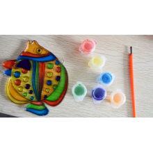 Suncatchers, los niños de los niños pintan el aceite, engrasan los suncatchers de la pintura