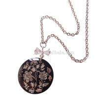 Fashion Black Shell Flower Pendant Necklace