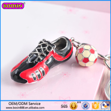 Usine de gros de chaussures de sport et de porte-clés de charme de football # 15066