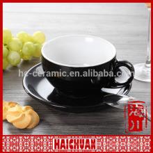 Colorido calcomanía de cerámica taza con platillo