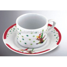 Taza y platillo de cerámica de porcelana con diseño de cartón