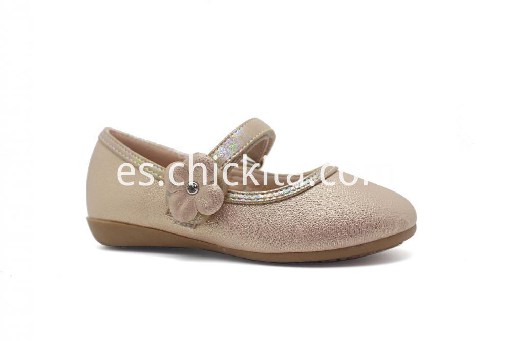 Pearized PU With Flower TPR Girl shoe