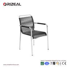 Chaise à langer en osier ronde à la mode en métal noir à la mode