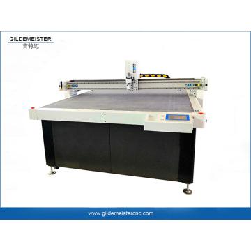 Máquina de corte CNC para tecidos têxteis