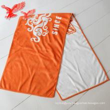 Горячая Распродажа логотип 100% микрофибры Гольф полотенце с зажимом