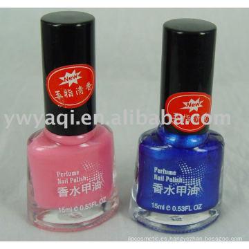 Esmalte de uñas perfumado más 2013