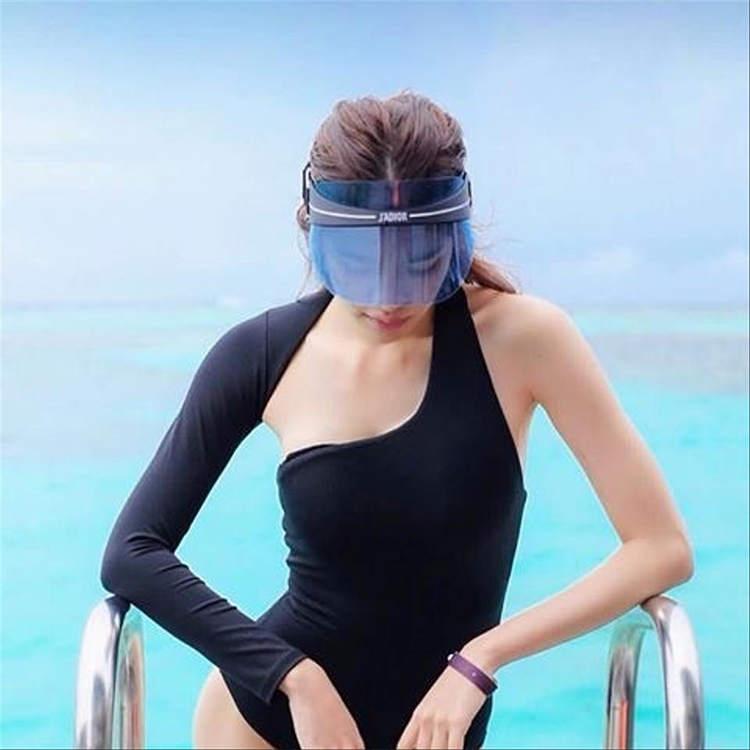 Fashion Sun Visor Cap Factory Wholesale Plastic Sun Visor Hat For Women Men Supplier