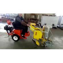 machine de marquage routier de type conduite