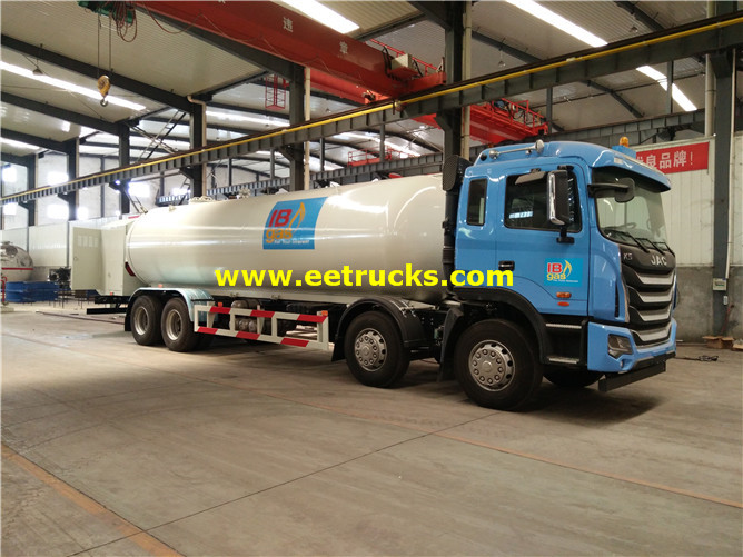 LPG Delivery Tanker Vehicle