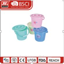 seau en plastique de 5L W/couvercle/6,7 L