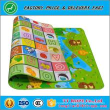 Le double a adapté aux besoins du client le tapis de puzzle de mousse d'Epe de tapis de jeu d'enfants de Crawl de bébé