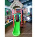 Простая детская площадка слайд