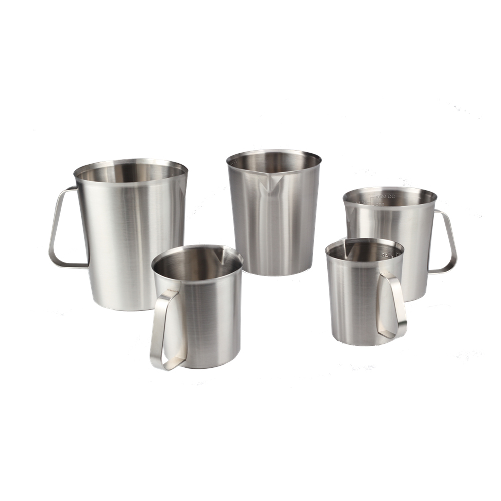 different size measuring cup