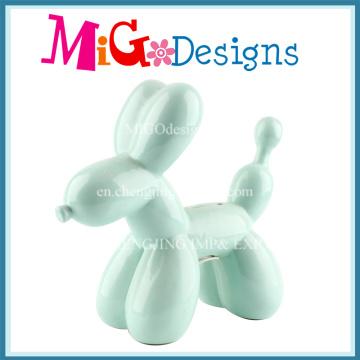 Lovely Balloon Dog usa caixa cerâmica de dinheiro para salvar