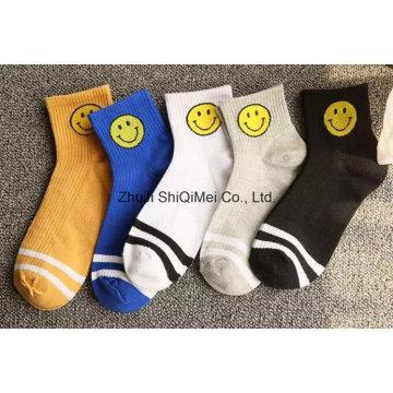 Высокое качество OEM услуги мужчин и женщин Custom гребенная счастливым смешные носки хлопка