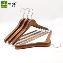 Kleiderbügel aus antikem Buchenholz