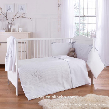 Factory price home textile Polyester child size White baby Quilts
