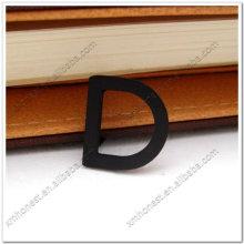 Lettre en métal D