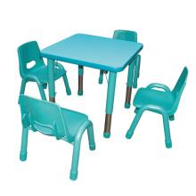 Fünf Farben Kinderzimmer Tisch und Stuhl