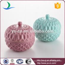Hermoso contenedor de cerámica hermosa con tapa para el hogar