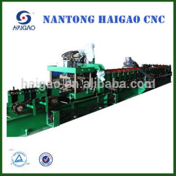Die neue Hochgeschwindigkeits-CNC-Schnitt C Stahlwalzenherstellungsmaschine / Zinkdachblechherstellungsmaschine