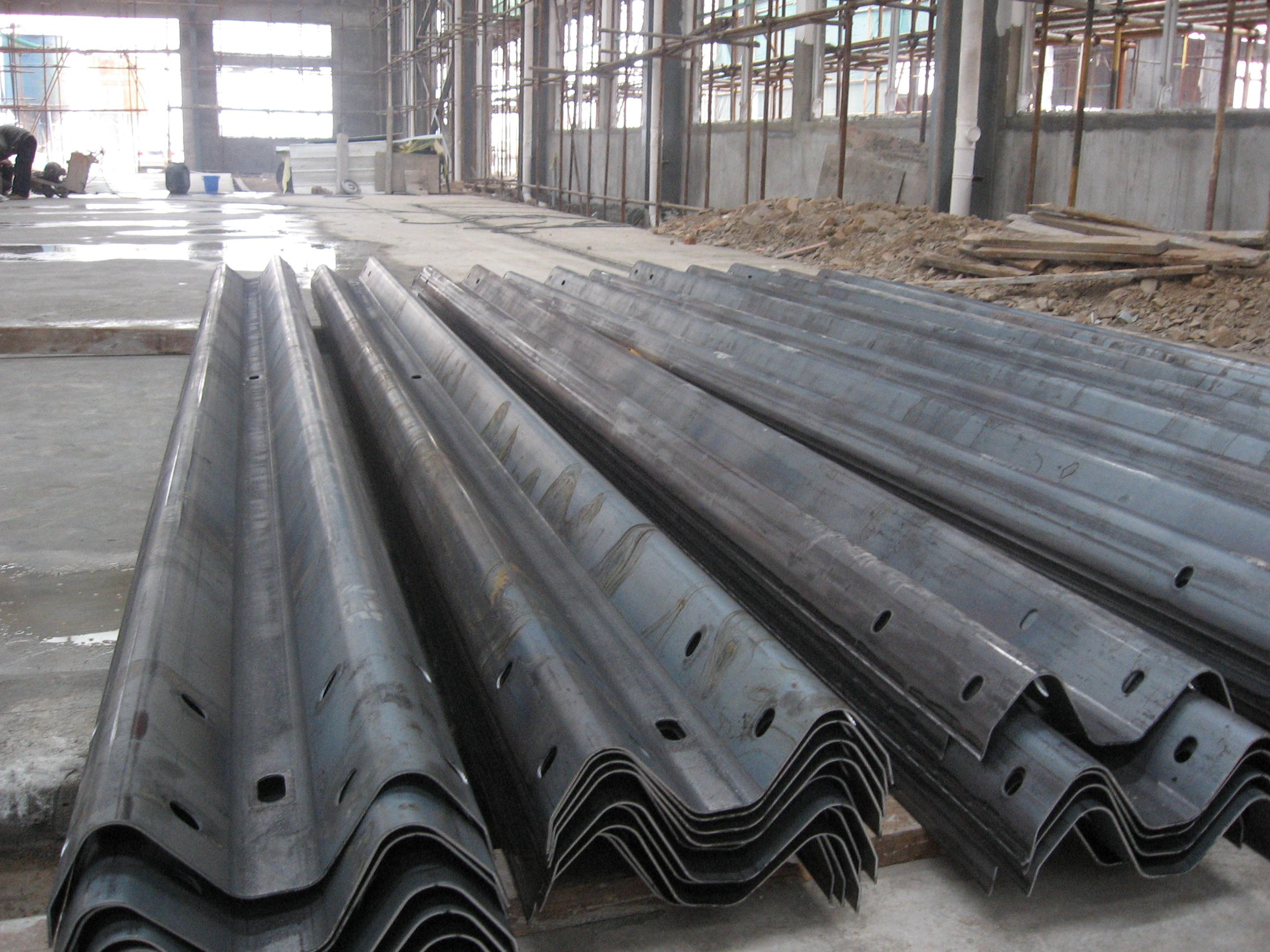 steel crash barrier roll forming machine (1)