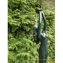 jardim lagoa água recurso bronze nu feminino estátua